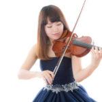 バイオリニストの女性の画像