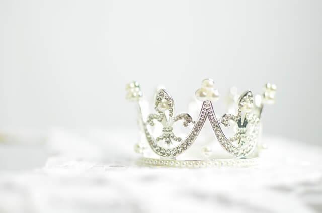 プラチナの王冠の画像