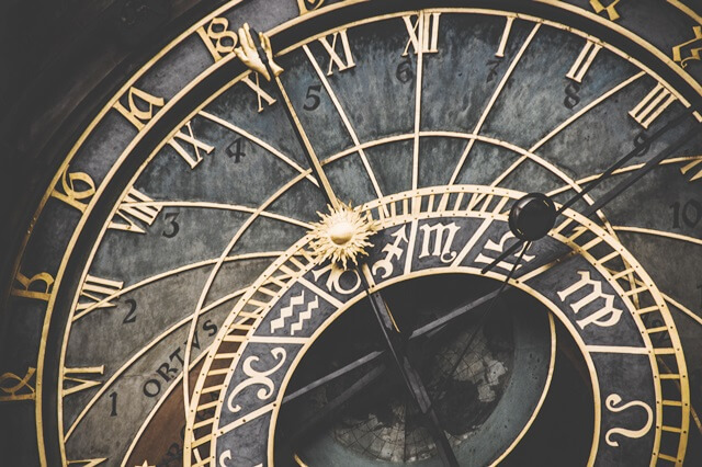 星座と時間の画像