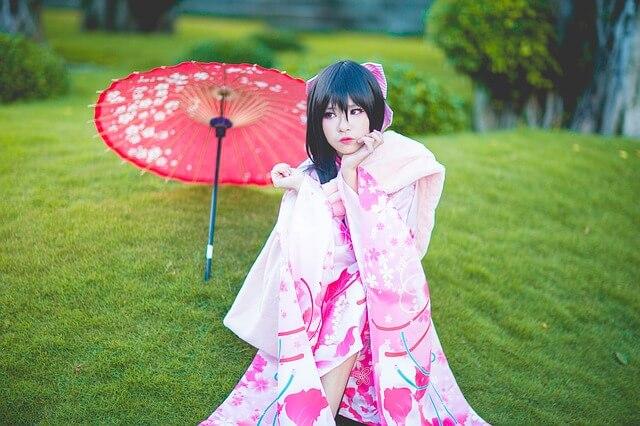 衣装を着るアジアの女性の画像