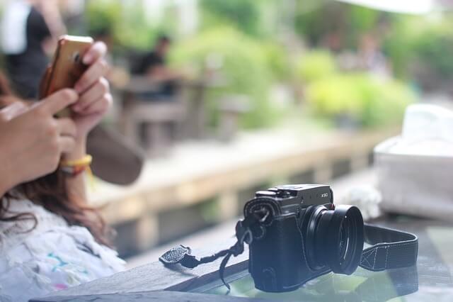 カメラと少女